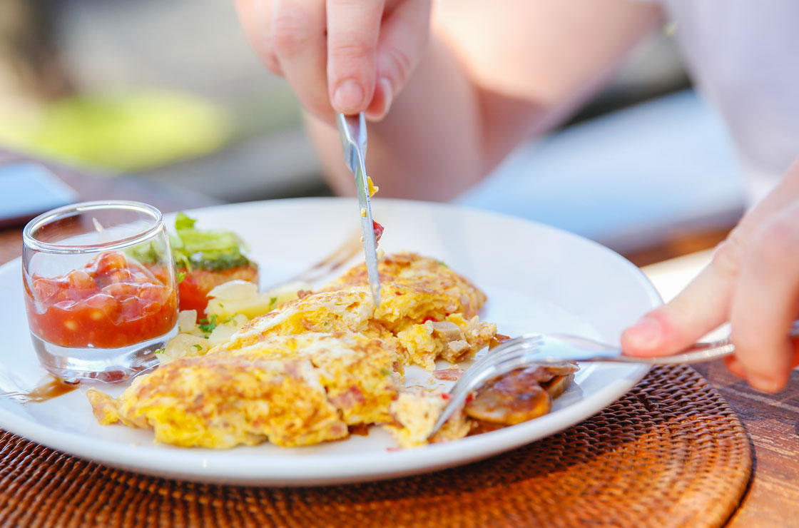 Big Breakfast May Help Control Weight and Diabetes